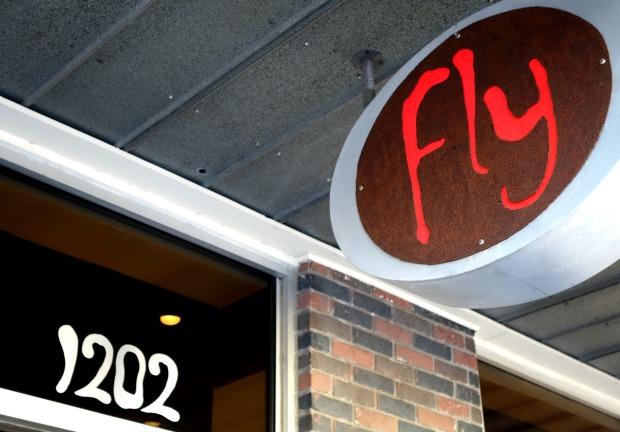 FlyBarCloseUp
